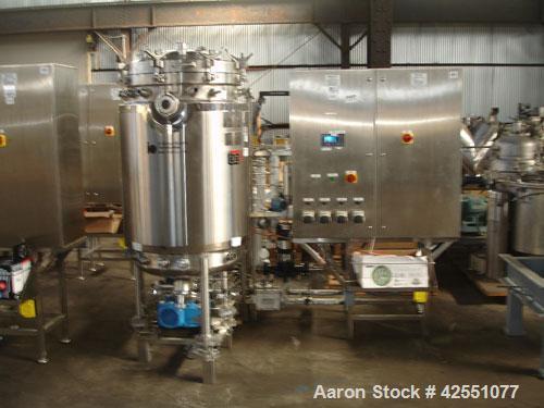 used 400 liter B Braun fermentor, 500 liter total capacity, 400 liter working capcity, 316L stainless steel construction, el...