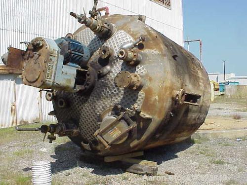 "USED: Brighton 5,000 gallon, 304L stainless steel clad, reactor, 108"" diameter x 9'. Internal rated 225 psi/FV @ 250 deg F. ..."