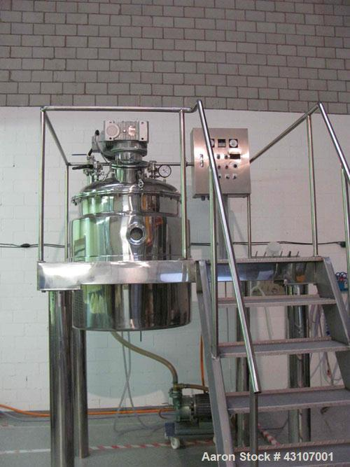 Used-Chang Sung-Korea Mixing Tank System, 105.82 gallon (400 liter).  Material of construction is 316 stainless steel, polis...