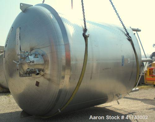 """Used- Cherry Burrell Reactor, 5000 Gallon, 316L Stainless Steel, Vertical. 120"""" diameter x 86"""" straight side, dished top and..."""