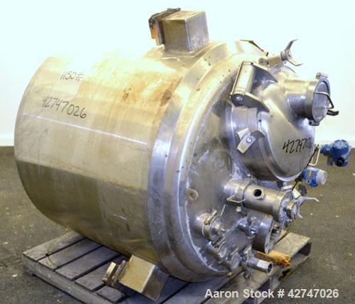 Unused- DCI Reactor, 900 Liter (237 Gallon), 316L Stainless Steel, Vertical. 42'' Diameter x 34'' straight side, dished top ...