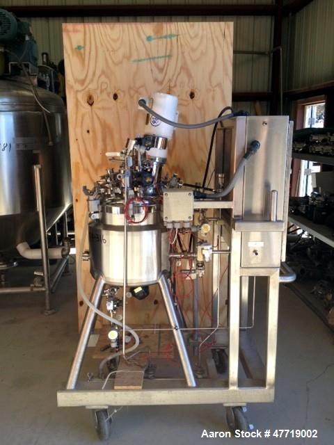 "Used- DCI Reactor, 30 Liter (7.92 Gallon), 316L Stainless Steel, Vertical. 16"" Diameter x 13"" straight side, clamp dished to..."
