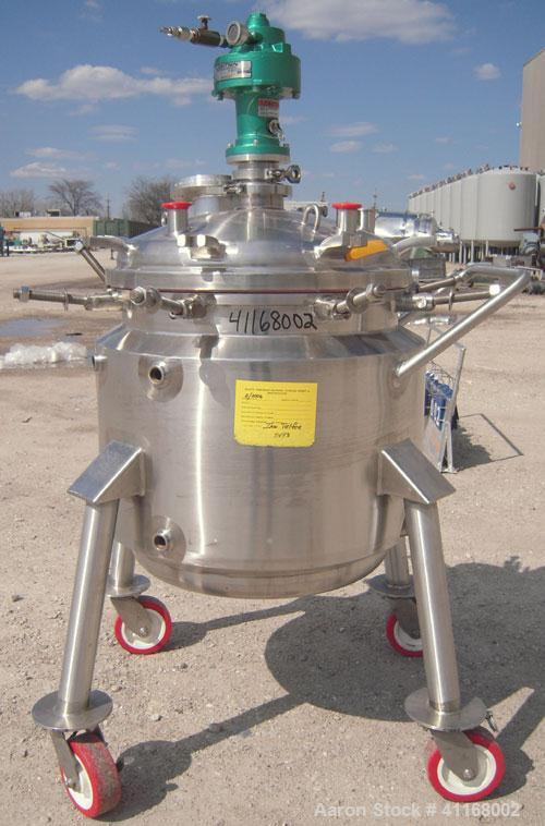 "Used- Feldmeier Reactor, 35 Gallon, 316 stainless steel, vertical. 22"" diameter x 20"" straight side. Bolt down dish top, dis..."