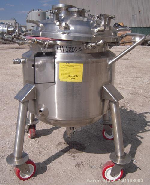 "Used- Feldmeier Reactor, 35 Gallon, 316L stainless steel, vertical. 22"" diameter x 20"" straight side. Bolt down dish top, di..."