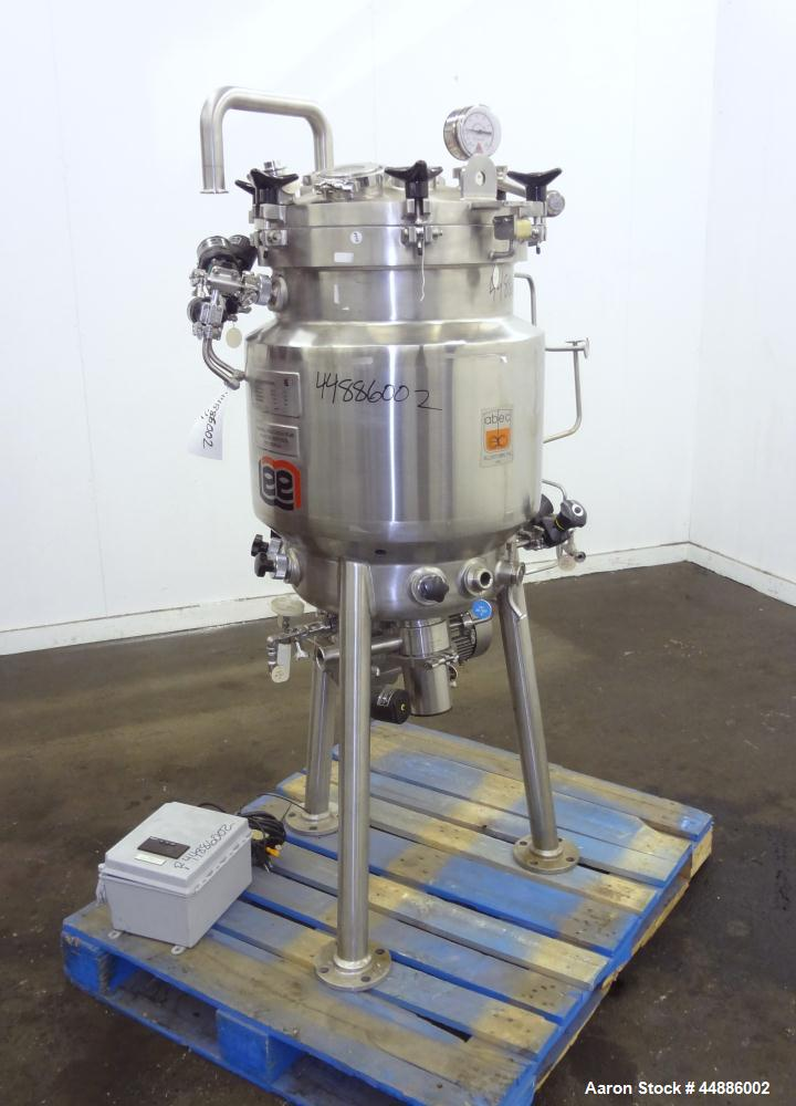 Used- 120 Liter Stainless Steel Lee Industries Reactor, Model 120LU