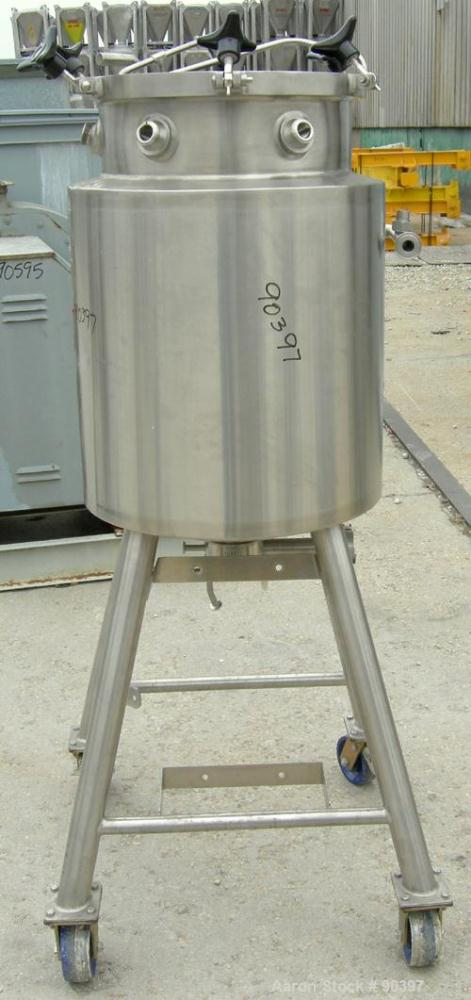 "Used- Lee Industries reactor, model 120 LU, approximately 32 gallon, 316L stainless steel, vertical.  17 5/8"" diameter x 30""..."