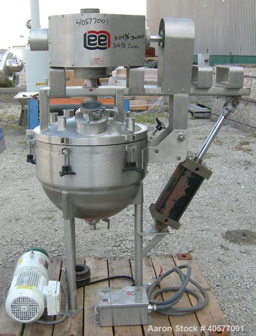 "Used- Lee Industries double motion vacuum reactor, model 20D9MT, 20 gallon, 316 stainless steel, vertical. Approximately 22""..."