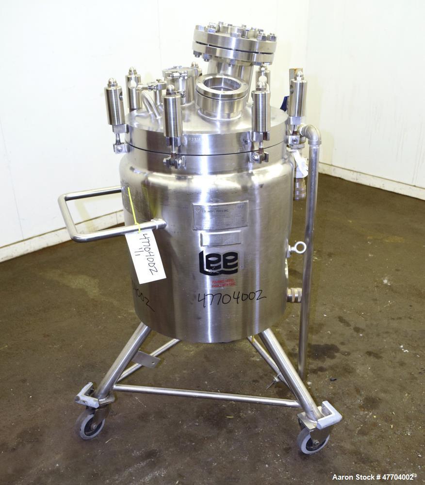 "Used- Lee Industries Reactor, 20 Gallon, Model 20U, 316L Stainless Steel, Vertical. 18"" Diameter x 15"" straight side, dished..."
