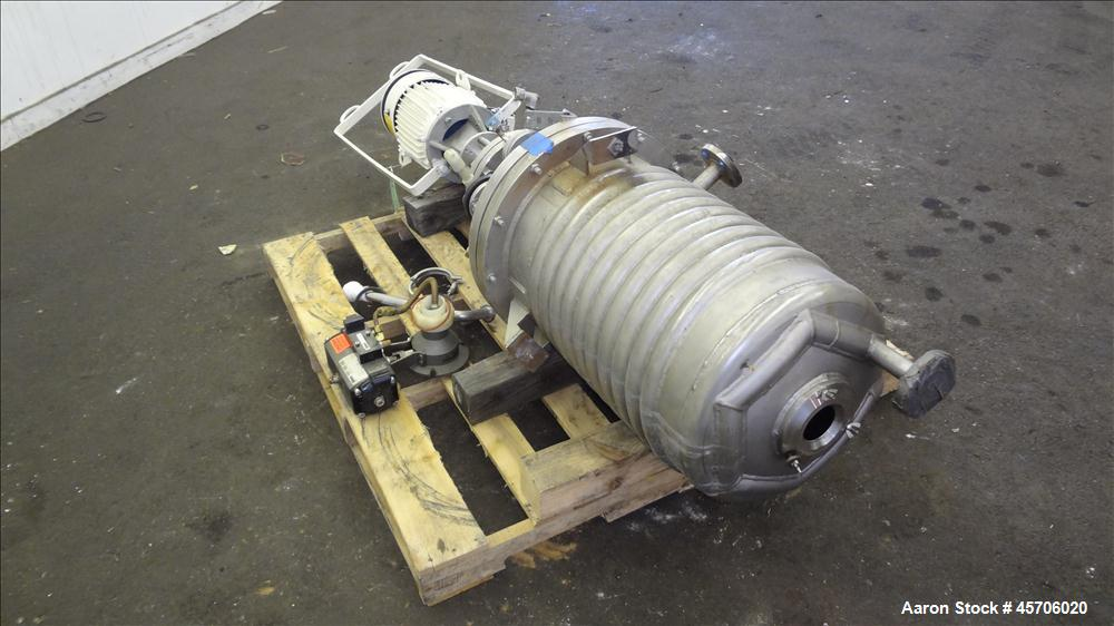 "Used- Lee Industries Reactor, 24 Gallon, Model 24U, 316 Stainless Steel, Vertical. Approximate 16"" diameter x 24"" straight s..."
