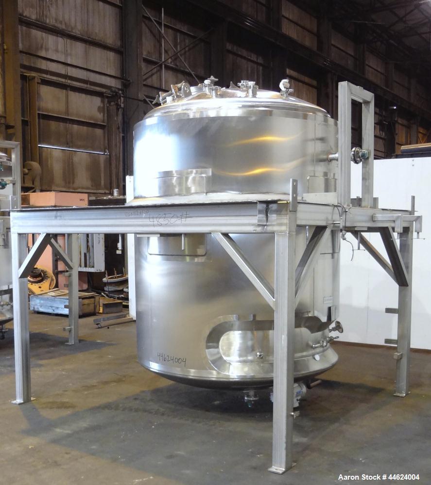 """Used- Lee Industries Reactor, 1057 Gallon (4000 Liter), Model 4000LU, 316L Stainless Steel, Vertical.  66"""" Diameter x 72"""" st..."""