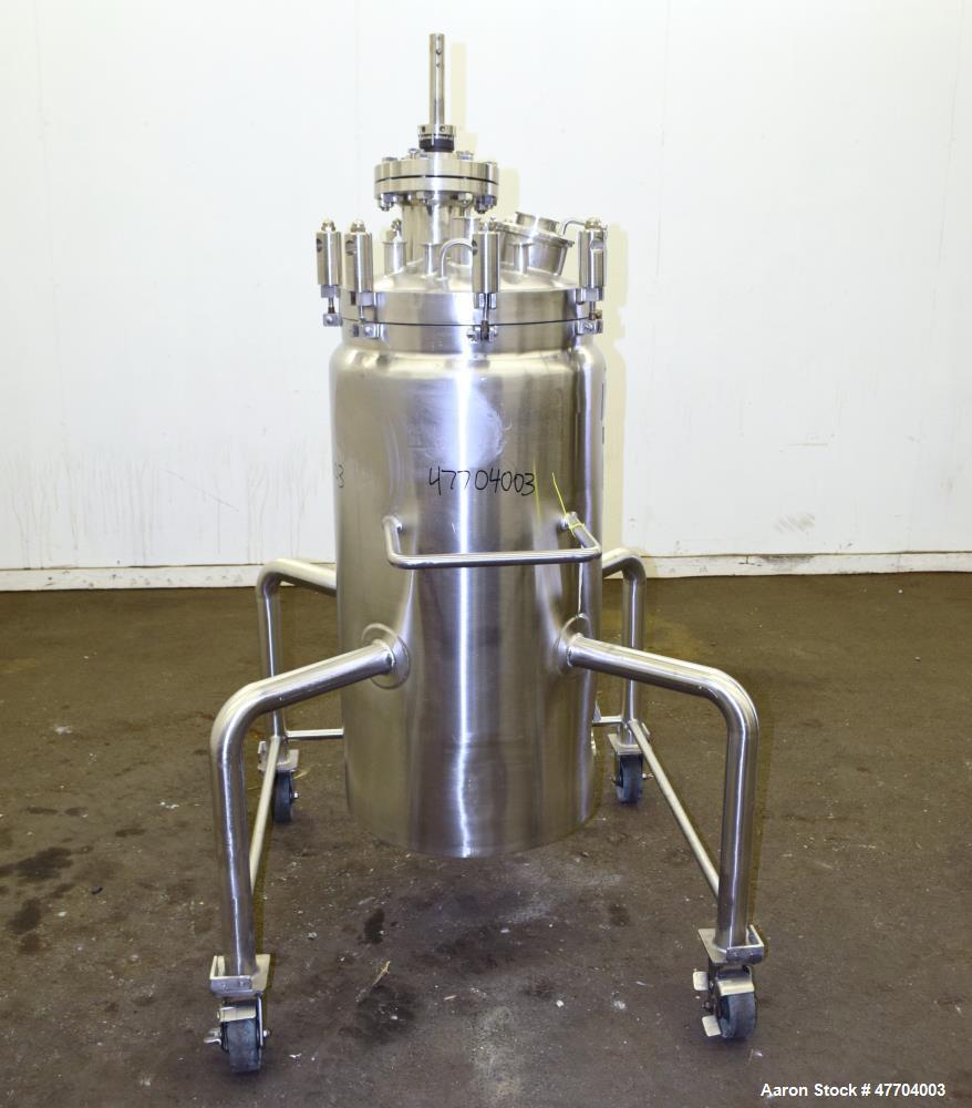 "Used- Lee Industries Reactor, 41 Gallon, Model 41U, 316L Stainless Steel, Vertical. 18"" Diameter x 33"" straight side, dished..."