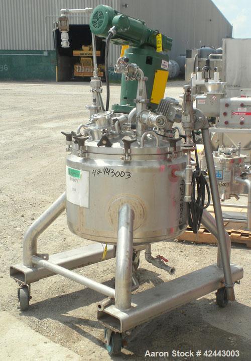 """Used- Lee Industries Reactor, 39 gallon (150 liter), model 150LU, 316L stainless steel, vertical. 26"""" Diameter x 16"""" straigh..."""