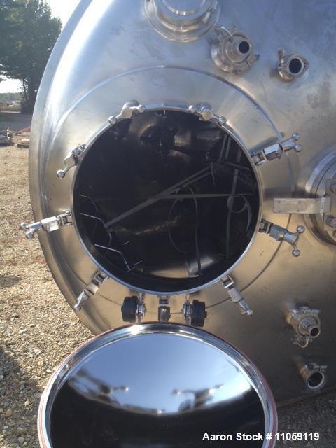 Used- Mueller 1600 Gallon (6000 Liter), Model F Sanitary Reactor. 316L stainless steel. Rated 50 PSI/full vacuum at 350 deg....