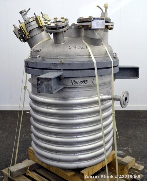 """Used- Chematec Reactor, 565 Liter (149.30 Gallon), 316L Stainless Steel, Vertical. Approximate 31"""" Diameter x 34"""" straight s..."""