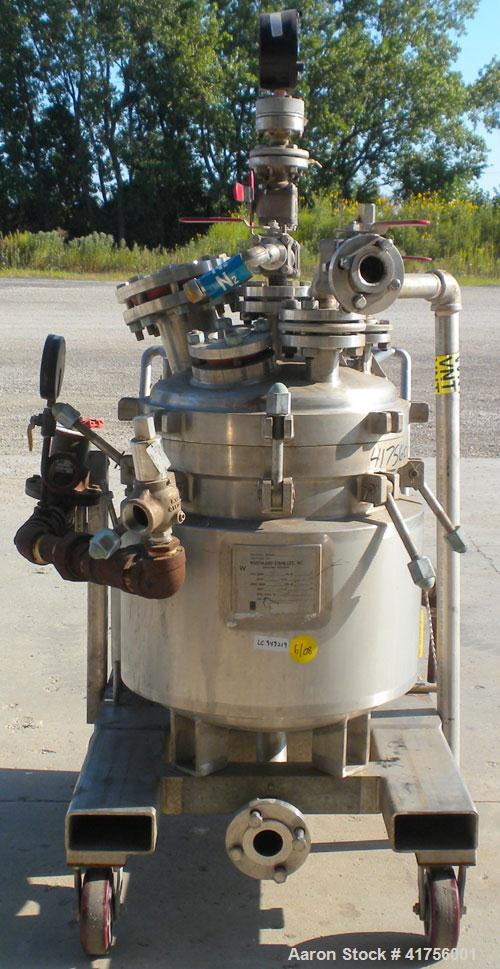"""Used- Northland Stainless Reactor, 20 gallon, 316L stainless steel, vertical. 18"""" diameter x 18"""" straight side, dish bolt do..."""