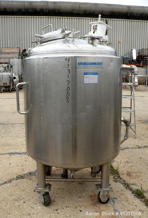 Used- Mueller Reactor, 211 Gallon, Model F, 316L Stainless Steel, Vertical. 38'' diameter x 40'' straight side, dish top, co...