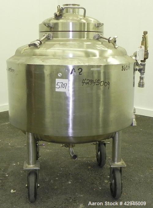 "Used- Walker Stainless Reactor, 66 Gallon (250 Liter), 316L Stainless Steel, Vertical. 30"" Diameter x 18"" straight side, dis..."