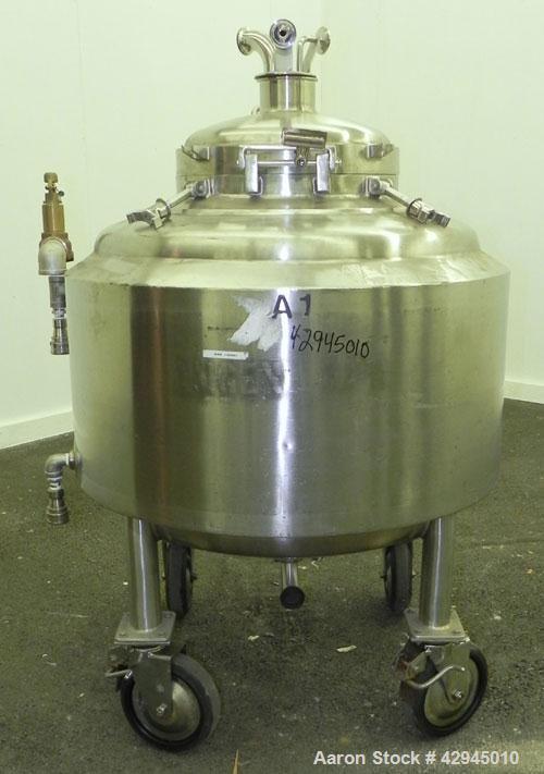 "Used- Walker Stainless Reactor, 66 Gallon (250 Liter), 316L Stainless Steel, Vertical. 30"" Diameter x 18"" straight side, dis..."
