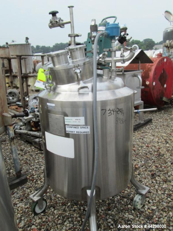 Used- Walker Reactor, 200 Liter (52.8 Gallon), stainless steel construction, dish top and bottom, rated 50 psi and full vacu...