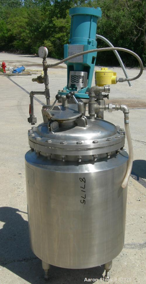 "USED: Walker Stainless reactor, 50 gallon, 316 stainless steel, vertical. 24"" diameter x 24"" straight side. Dish bolt-on top..."
