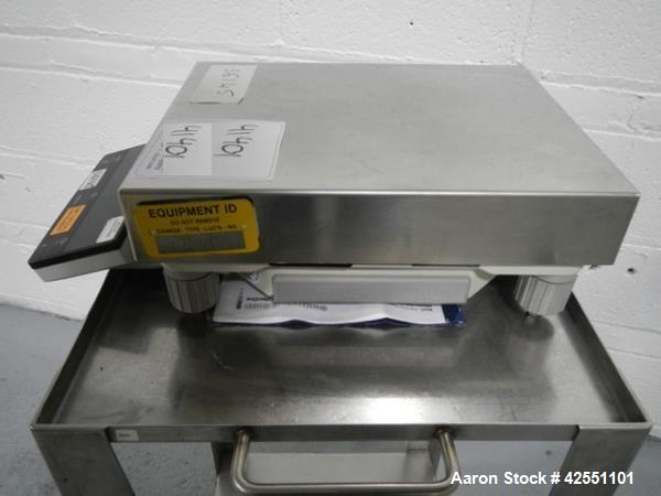 """Used- Mettler Toledo Balance, Model SG32001. Delta range, 11"""" x 14"""" stainless steel top, serial# 117332145."""