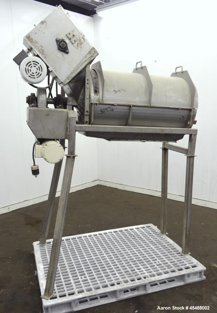 Used- Commercial Manufacturing & Supply Onion Ring Separator Screener, 304 Stainless Steel. Horizontal screen chamber approx...