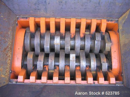 """Unused-NEW: Shredder, type ES 90/135-D. 2 roll rotation shredder, 4 motors each 22 kW (88 kW), cutting area 35"""" x 53"""" (900 x..."""