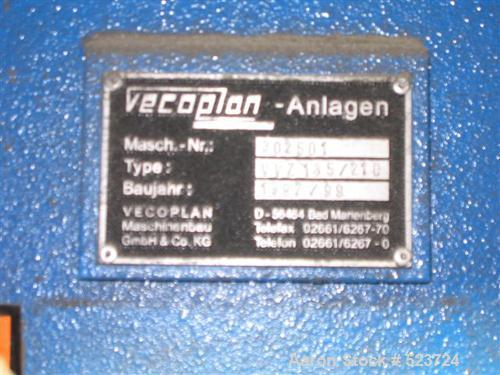 USED: Vecoplan shredder type VVZ135/210. 2 roll shredder, 2 motors, 45 kW and 55 kW; operating hours 9500; weight 26,500 lbs...