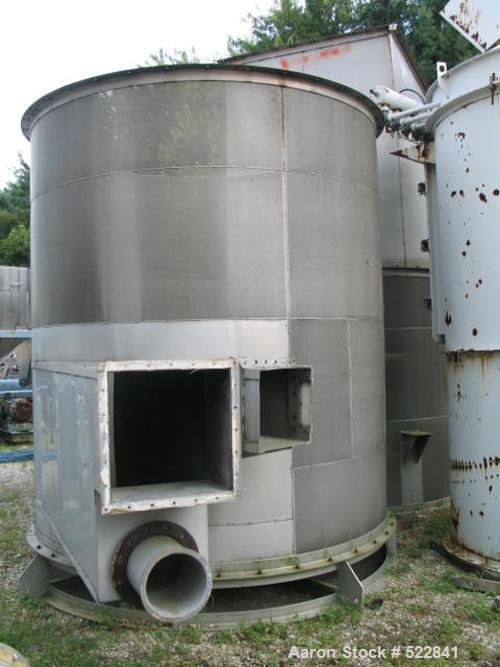 USED: 1300 Cubic foot aluminum bin. 9' diameter x two flanged verticalsections, top section 10' tall with separate roof. Top...