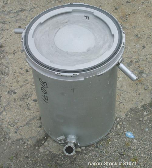"""Used- Tank, 12 Gallon, Aluminum, Vertical. 14"""" diameter x 18"""" straight side. Flat top with cover, flat bottom. 1-1/4"""" tri-cl..."""