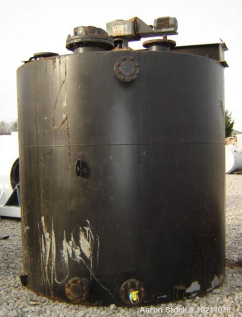 Used-3000 Gallon Mix Tank with Philadelphia Mixer, Carbon Steel Construction. Tank is 8' tall and approximately 8' in diamet...