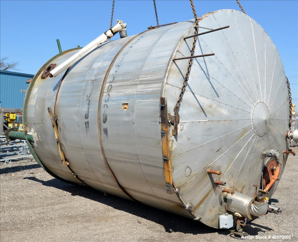 Used- Tank, 8,000 Gallon, Carbon Steel, Vertical.