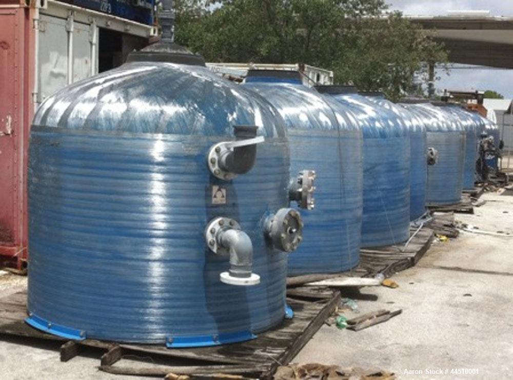 1,500 Gallon Fiberglass Vessels