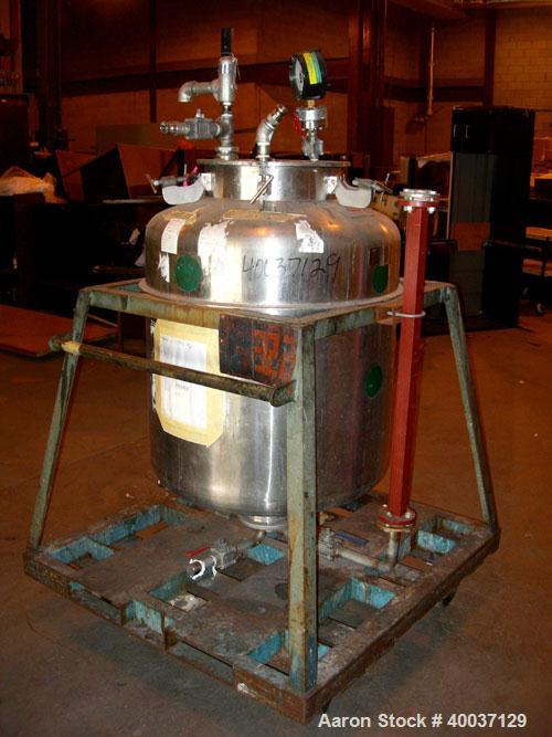 "Used-Used: Javo N.V. Alkmaar pressure tank, 100 gallon, stainless steel, vertical. 30"" diameter x 30"" straight side, dished ..."
