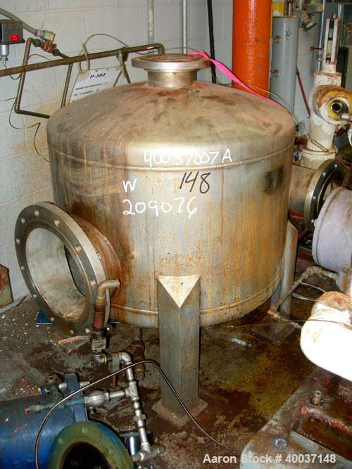 "Used-Used: Designers Fabricators tank, 100 gallon, stainless steel, vertical. 36"" diameter x 24"" straight side, dished top a..."