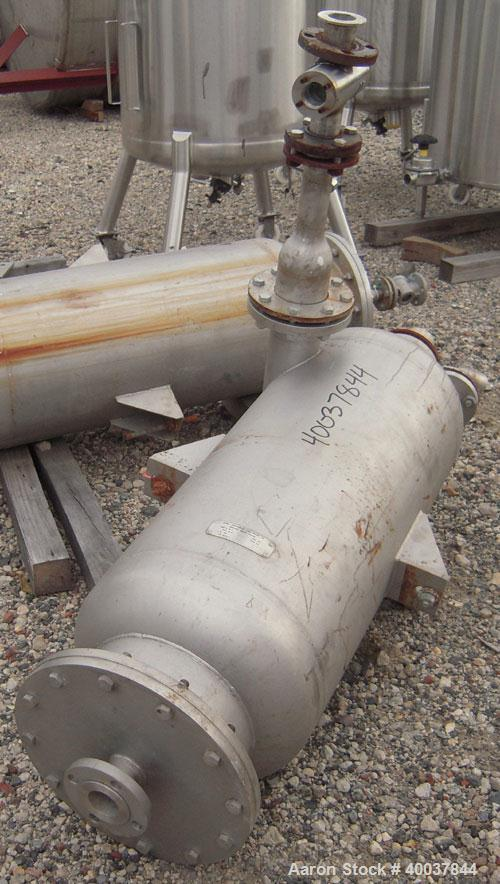 """Used- Acme Industrial Pressure Tank, 44 gallon, stainless steel, vertical. Approximately 18"""" diameter x 36"""" straight side. D..."""