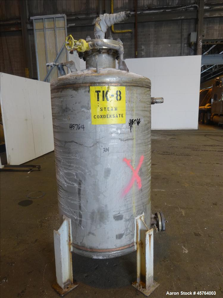 Used- Tank, Approximately 230 Gallon, 304 Stainless Steel, Vertical.