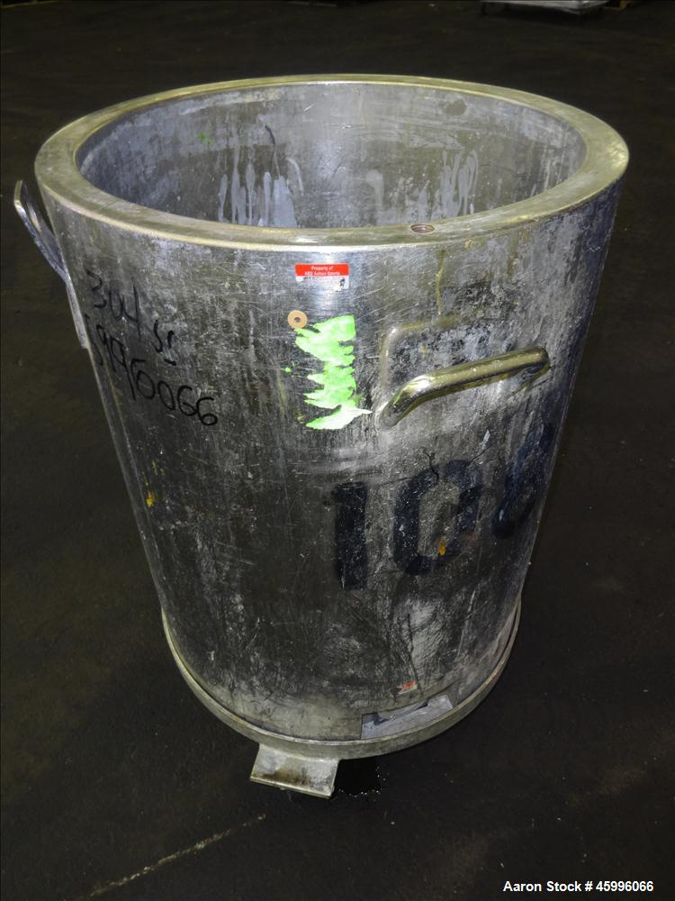 """Used- Tank, Approximate 30 Gallon, 304 Stainless Steel, Jacketed, Vertical. 20"""" diameter x 26"""" straight side. Pitched sloped..."""