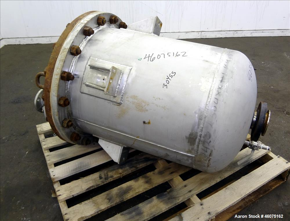 """Used- Tank, 50 Gallon, 304 Stainless Steel, Vertical. Approximate 24"""" diameter x 24"""" straight side, flat bolt top, dished bo..."""