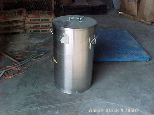 "Used- Tank, 30 Gallon, 316 Stainless Steel, Vertical. 18"" diameter x 29"" straight side. Flat open top with removable cover, ..."