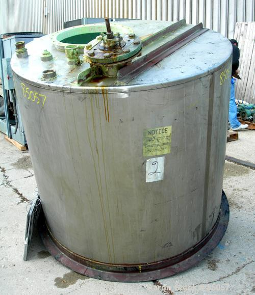 "USED: Mix tank, 525 gallon, 304 stainless steel, vertical. 54"" diameter x 51"" straight side. Flat top, slight coned bottom. ..."