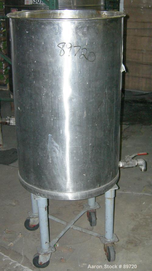 "USED: Tank, 55 gallon, 304 stainless steel, vertical. 22"" diameter x 35"" straight side, open top, no cover, flat bottom. App..."
