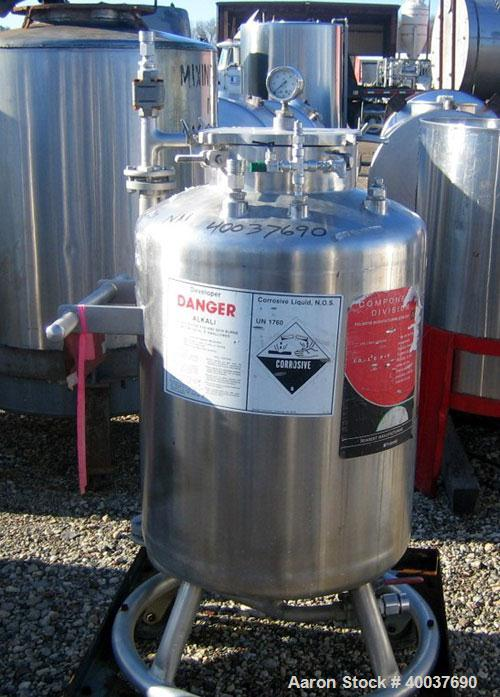 "Used- Acme Pressure Tank, 40 gallon, Stainless steel, Vertical. 22"" diameter x 24"" straight side, dished top and bottom. Int..."