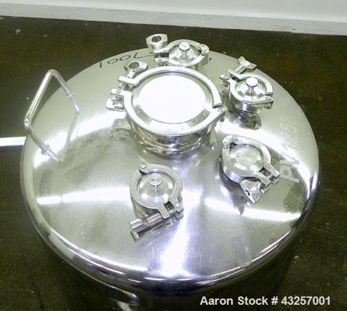"Used- Alloy Products Pressure Tank, 36.99 Gallon (140 Liter), 316L Stainless Steel, Vertical. 17.74'' Diameter x 29"" straigh..."
