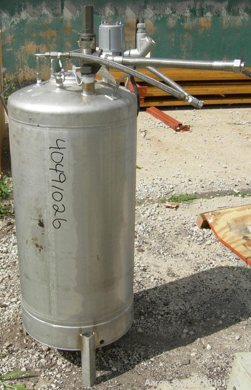 "Used- Alloy Products Pressure Tank, 35 gallon, 316L stainless steel, vertical. 18' diameter x 30"" straight side. Dished top ..."