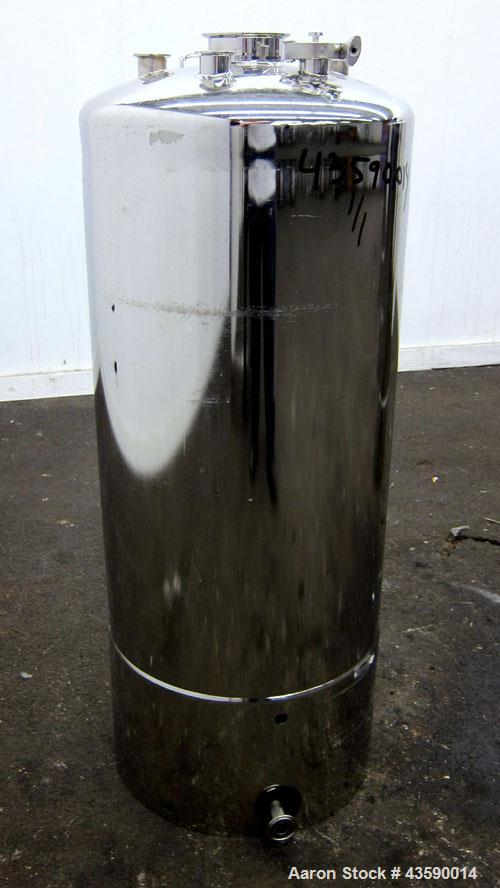 """Used- Alloy Products Pressure Tank, 33 Gallon, 316L Stainless Steel, Vertical. 17.71"""" Diameter x 29"""" straight side. Dished t..."""
