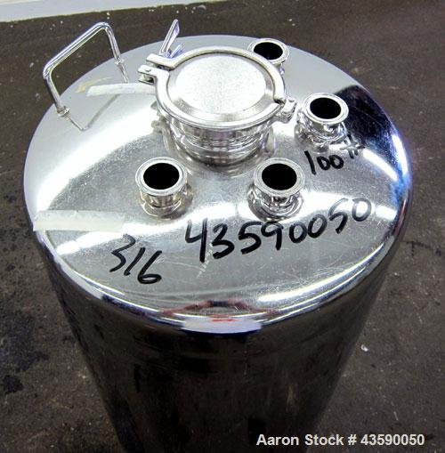 "Used- Alloy Products Pressure Tank, 33 Gallon, 316 Stainless Steel, Vertical. 17.71"" Diameter x 29"" straight side. Dished to..."
