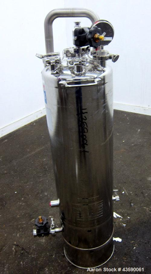 """Used- Alloy Products Pressure Tank, 15 Gallon, 316 Stainless Steel, Vertical. 12"""" Diameter x 30"""" straight side. Dished top a..."""