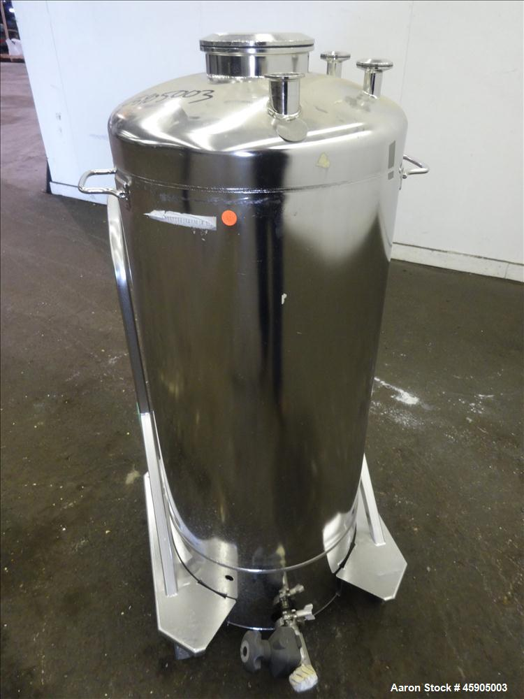 """Used- Alloy Products Pressure Tank, 30 Gallon, 316L Stainless Steel, Vertical. Approximate 18"""" diameter x 29"""" straight side,..."""