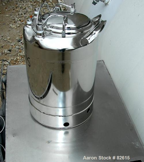 "USED: Alloy Products pharmaceutical-hygienic portable pressure tank, 3 gallons, stainless steel, vertical. 9"" diameter x 9"" ..."